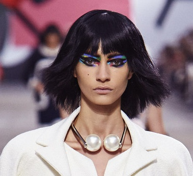 Chanel_Spring_2014_Earphone_necklace