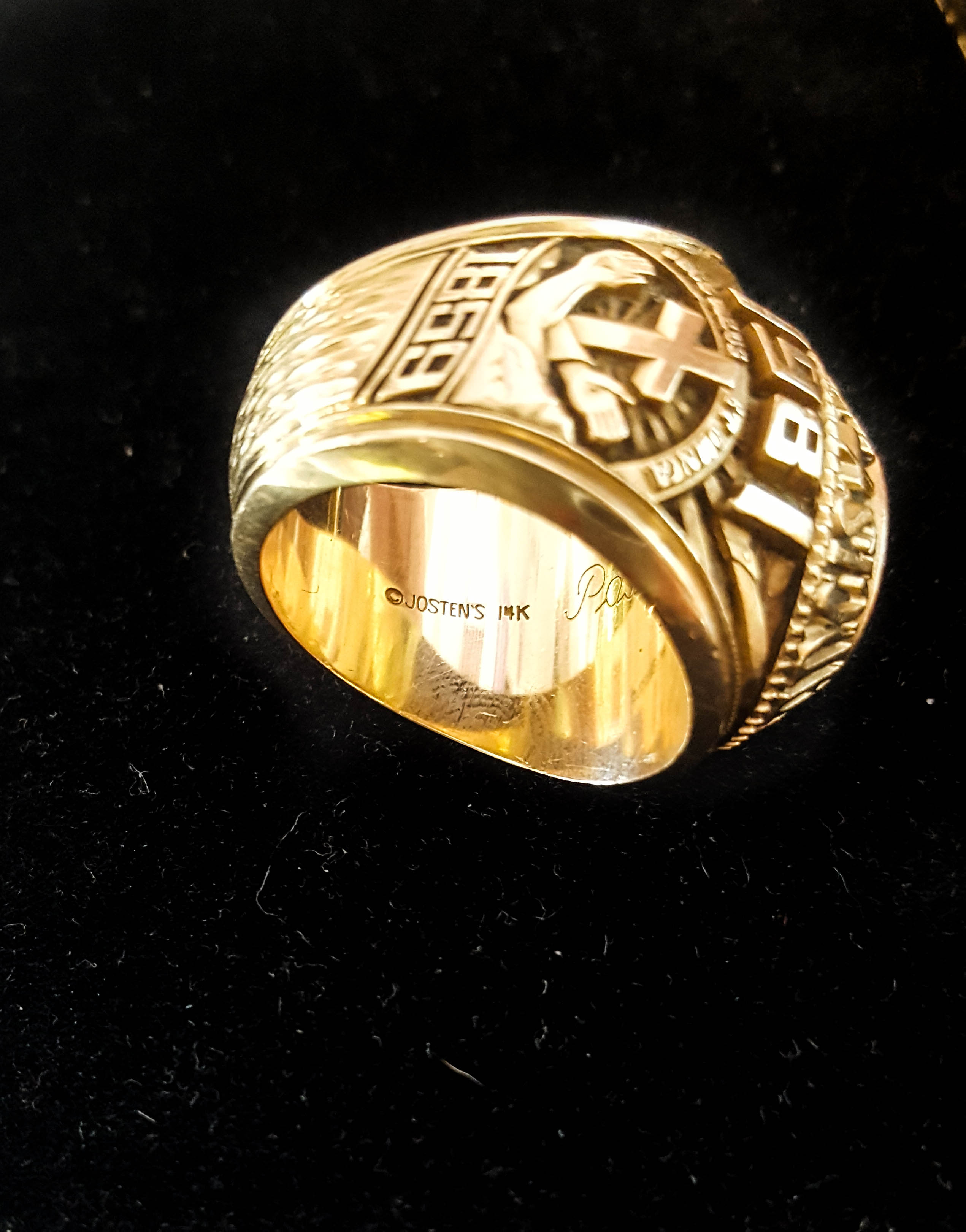 Vintage ring with purity mark