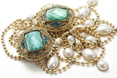 there are many different ways to sell your jewelry