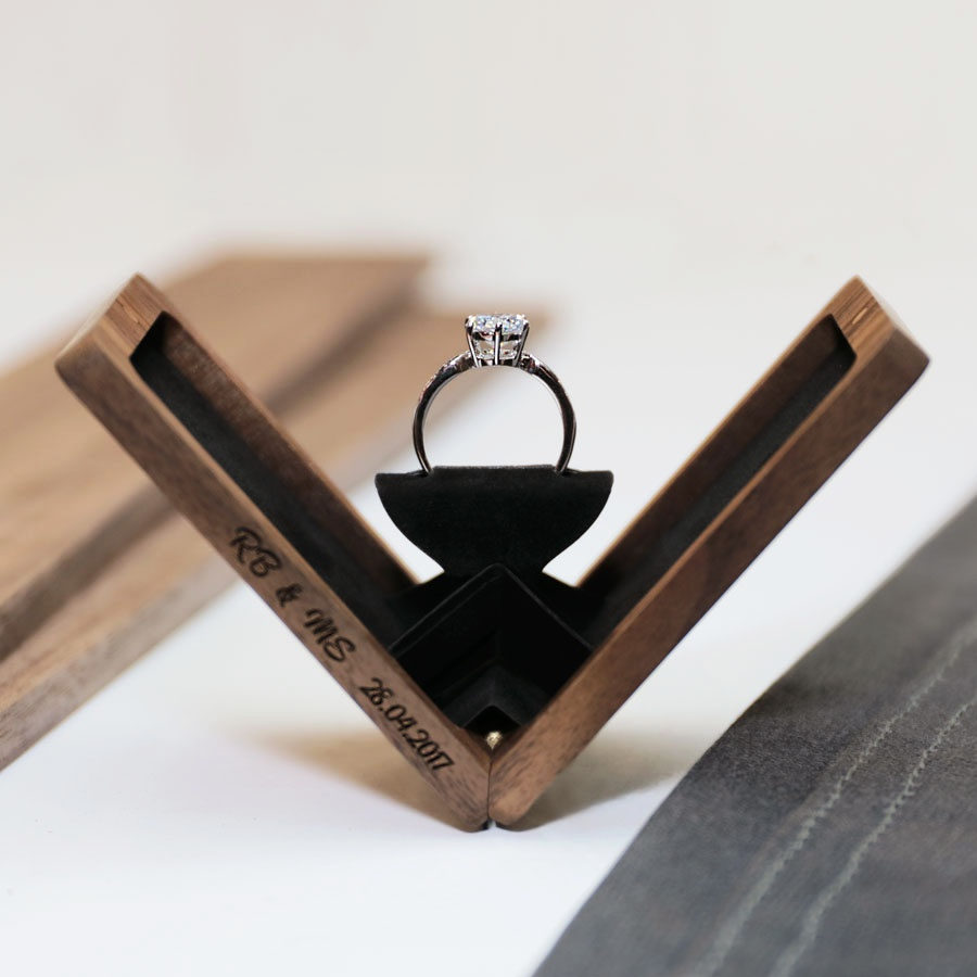 Walnut-Engagement-Ring-Box Woodsbury