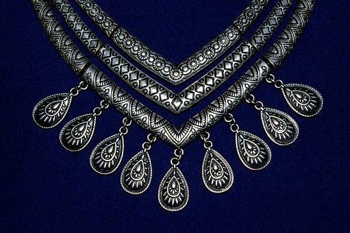 collar necklaces, hot enough to melt the snow