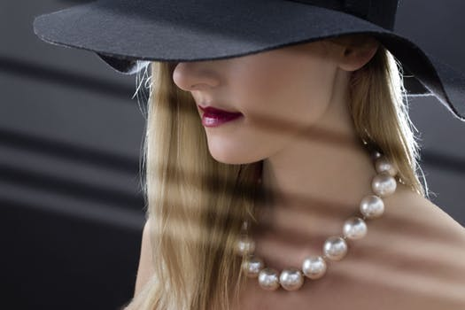 big pearls are in style, winter2018